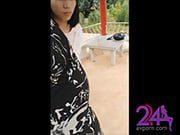นักท่องเทียวจีน แอบมาเล่นหนังสดกันบนศาลาชมวิวหลังศาลเจ้า