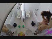 แอบถ่าย สาวลูกครึ่งไทย ขาวสวย เข้าห้องน้ำ