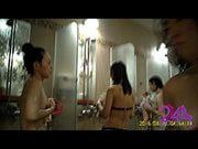 แอบถ่าย สาวๆอาบน้ำ ในห้องน้ำรวมหญิง